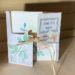 carte fermée avec roses pâles et embellissements